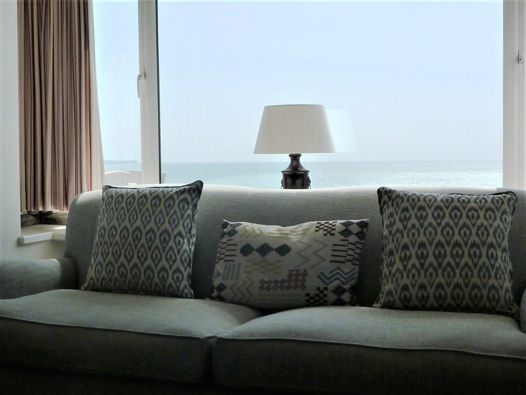 Sitting room Rinsey head