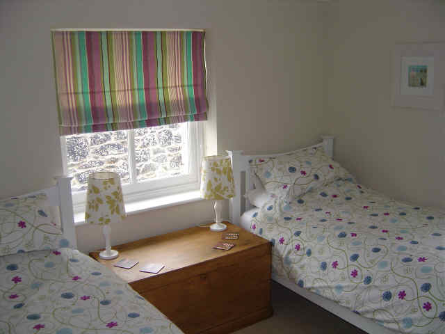 Twin single beds Mousehole Cottage Cornwall