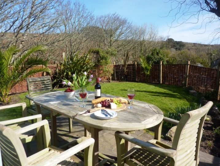Porth Nanven Cottage Garden dining in Cornwall