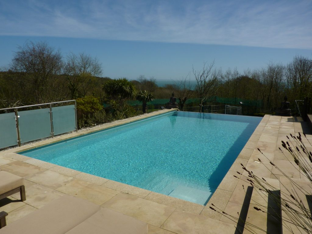 Infinity pool - self catering cornwall cottages