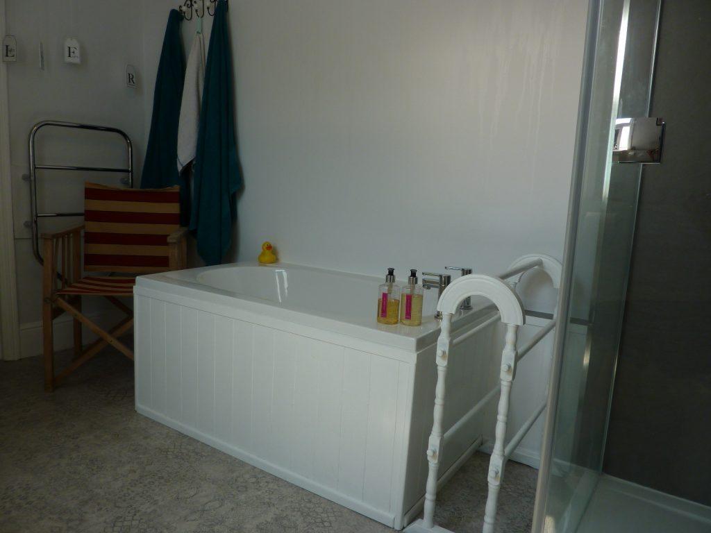 Trevarrack Row Cottage Bathroom